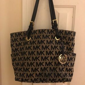 Michael Kors Purse and Wallet Set